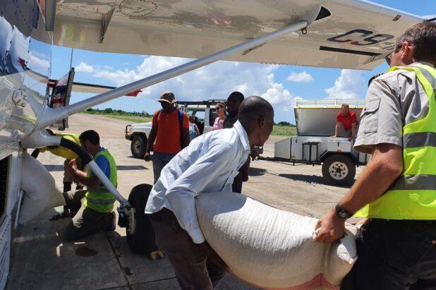 Transport aérien après inondations