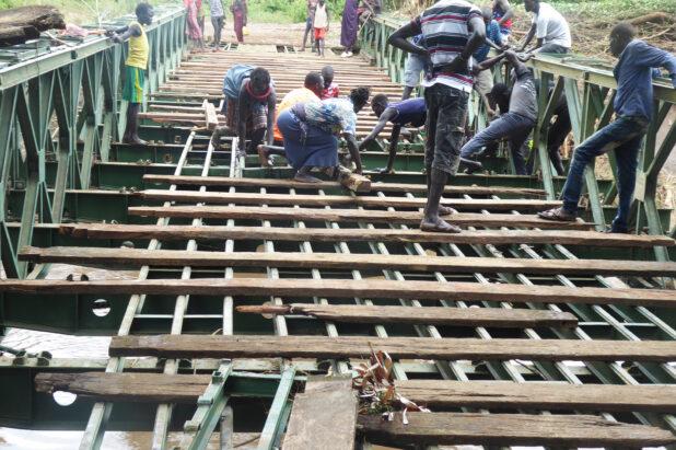 Unterwegs zur Brücken-Reparatur